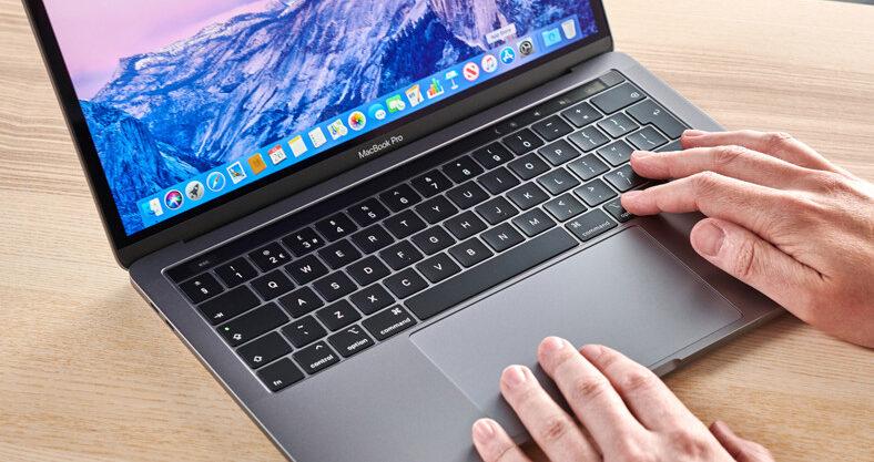 Apple chystá 14palcový MacBook Pro s novým Mini LED displejem.