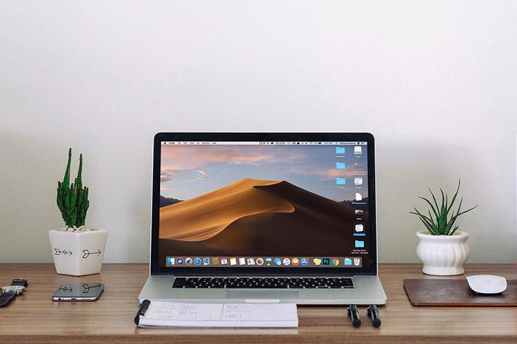Jak snadno skrýt ikony na ploše v systému Mac (2021)