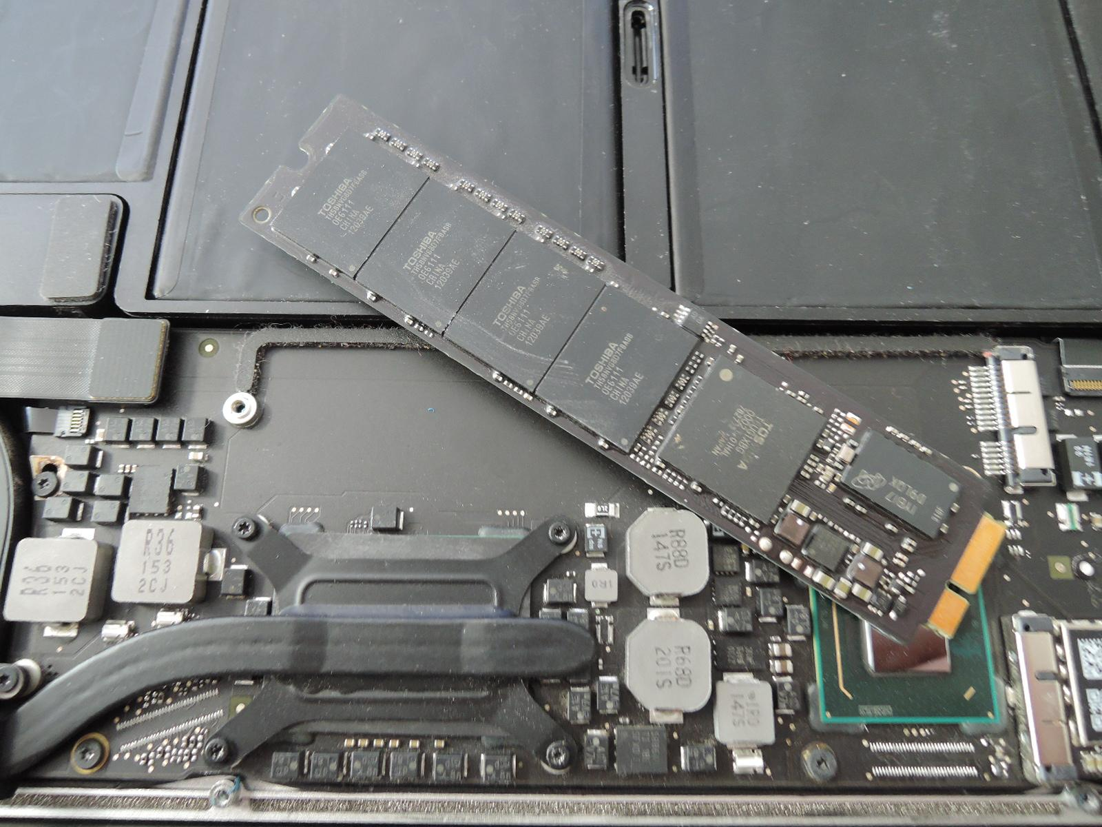 Výměna disku MacBook AIR 256GB SSD