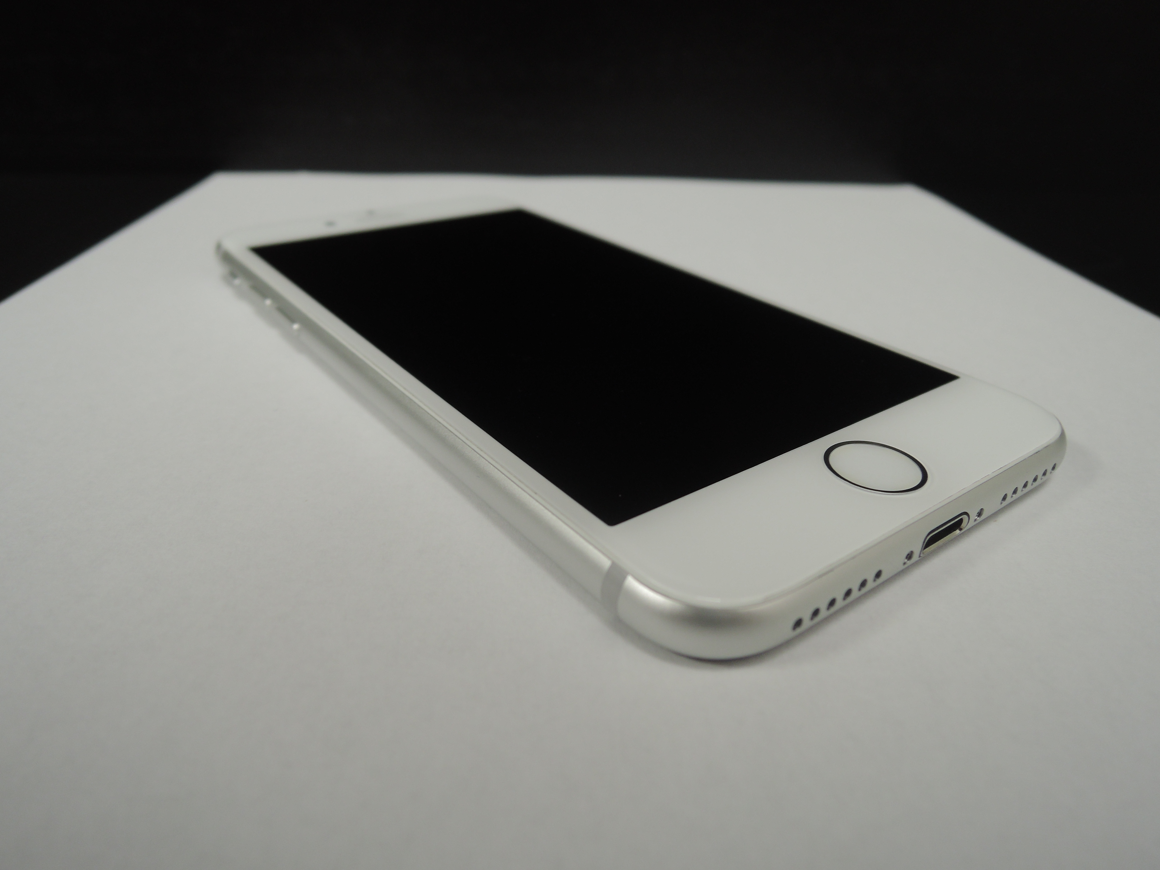 Apple iPhone 7 128GB Silver - DPH