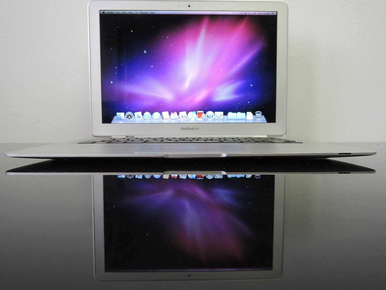 "MacBook AIR 13.3""/C2D 1.6 GHz/2GB RAM/80GB HDD"