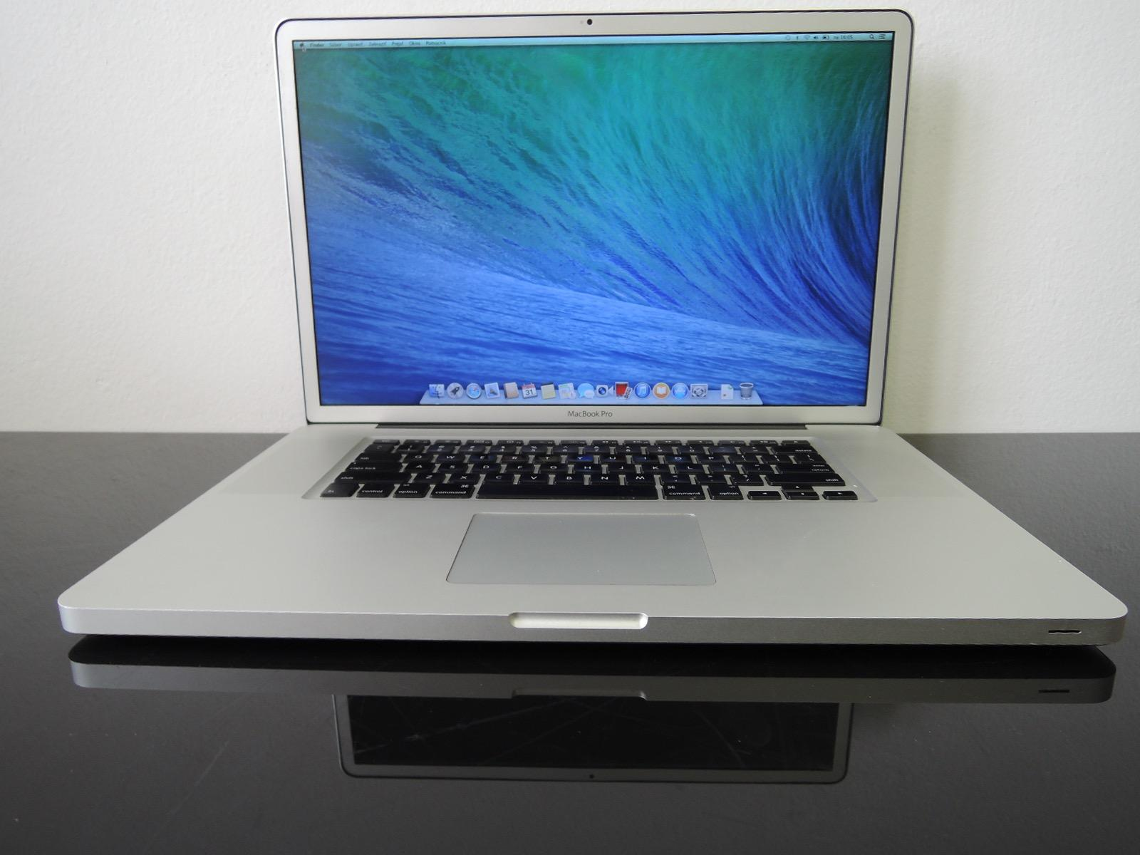 "MacBook PRO 17"" CTO/C2D 3.06 GHz/8GB RAM/2 TB HDD + 240GB SSD"