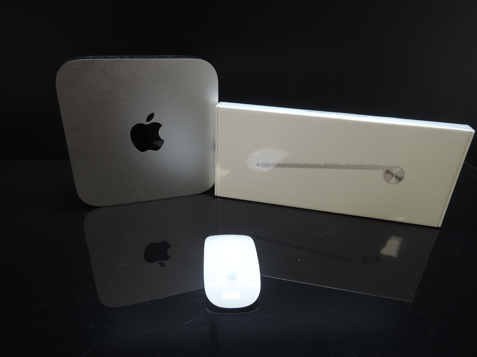 Apple Mac Mini i5 2.3 Ghz/8GB RAM/240GB SSD + 500GB HDD