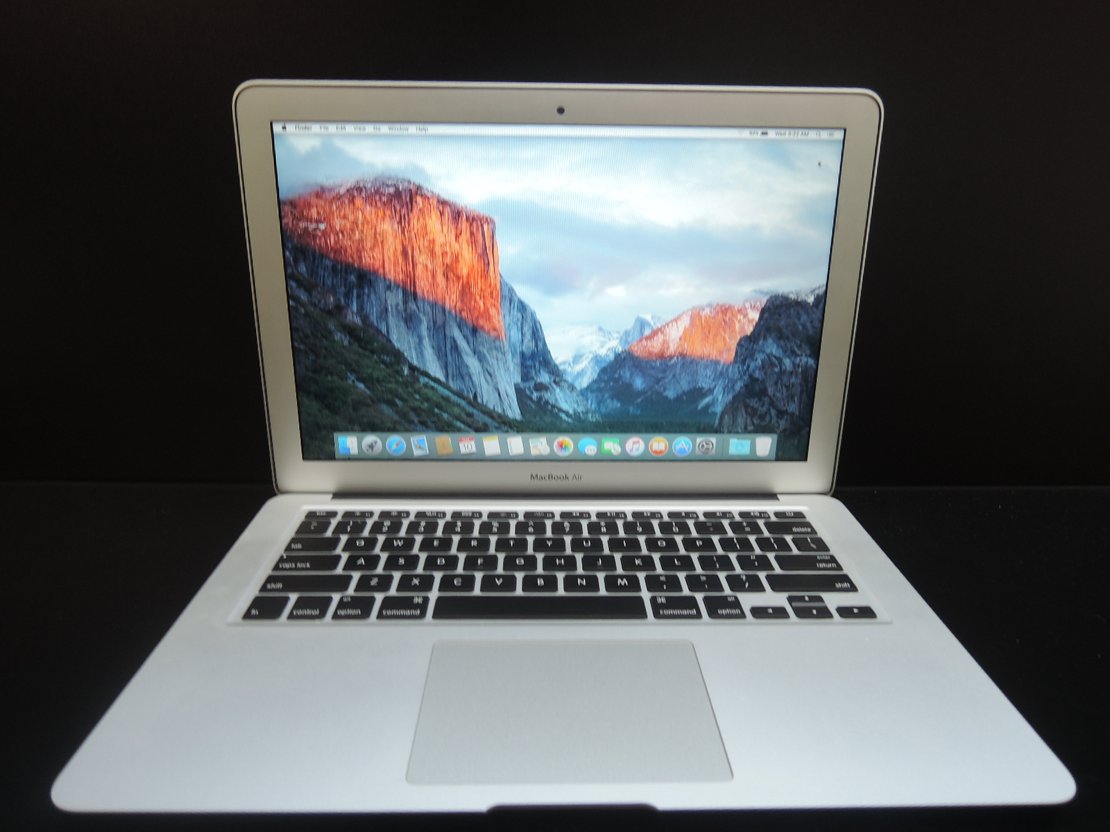"MacBook AIR 13.3""/i5 1.4GHz/4GB RAM/128GB SSD"