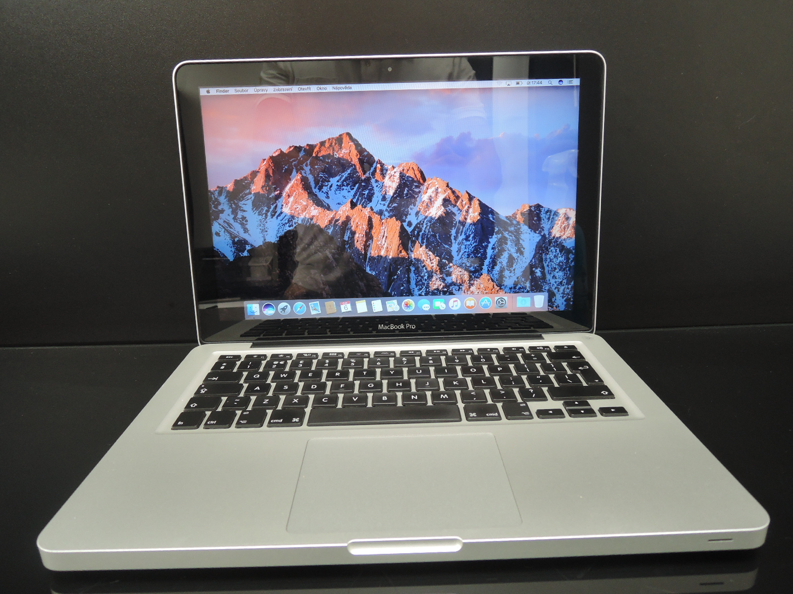 "MacBook PRO 13.3""/i5 2.5 GHz/4GB RAM/250GB HDD"