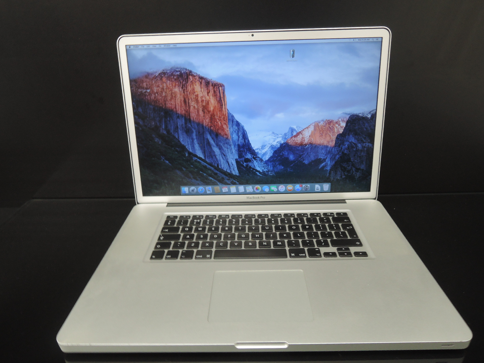 "MacBook PRO 17"" /i7 2.2 GHz/4GB RAM/1TB HDD"