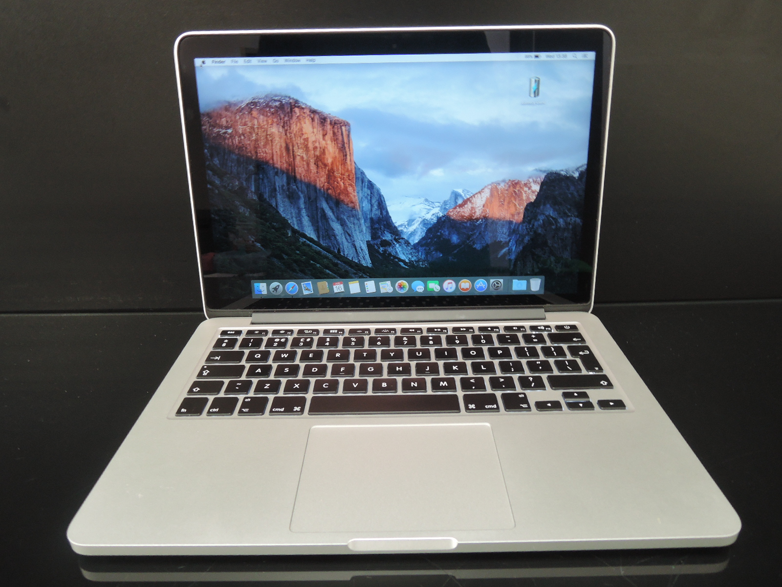 "MacBook PRO RETINA 13.3""/i5 2.7 GHz/8GB RAM/256GB SSD"