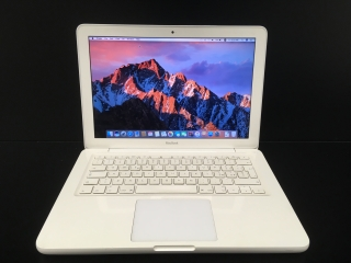 "MacBook White 13.3""/C2D 2.4 GHz/4GB RAM/250GB HDD"