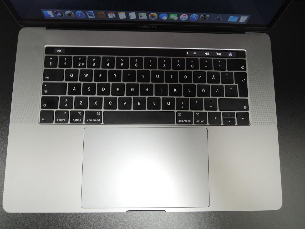"MacBook PRO RETINA 15.4"" 2018/i7 2.2 GHz/16GB RAM/256GB SSD"