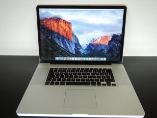 "MacBook PRO 17""/C2D 2.8GHz/4GB RAM/1TB HDD"