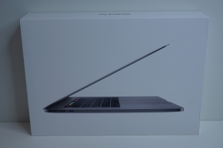 "MacBook PRO RETINA 15.4"" /i9 2.3 GHz/16GB RAM/512GB SSD"