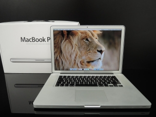"MacBook PRO 15.4""/C2D 2.53 GHz/4GB RAM/320GB HDD"