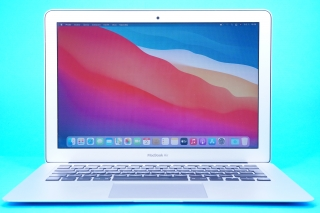 "Macbook Air 13.3"" /I5 1.3GHZ / 8GB RAM / 128GB SSD"